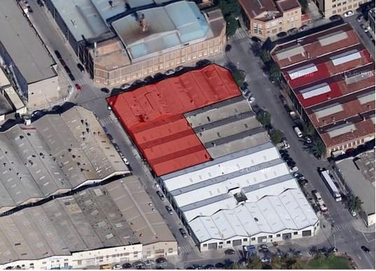 Solar industrial de 1.702 m² en venta - Cornellà de Llobregat. Barcelona #1
