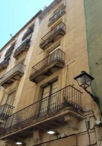 Edificio residencial en Ciutat Vella - Cod. 20047 #1