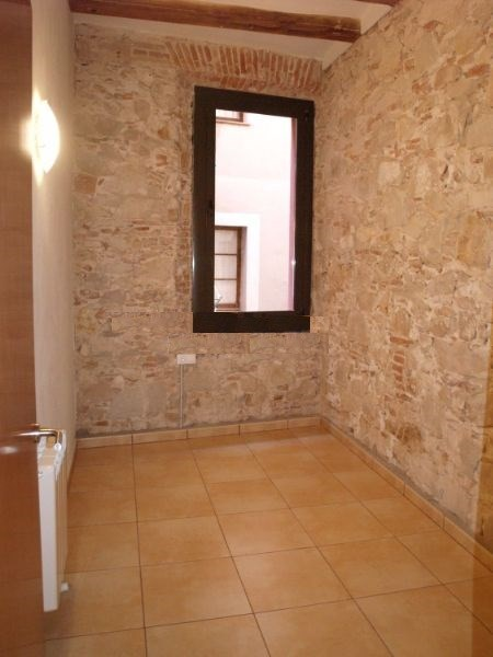 Residential building on profitabiliy in Ciutat Vella, Barcelona. #1