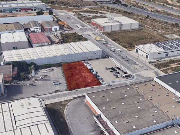 Solar industrial en venda de 2.665 m² - Pallejà, Barcelona. #1