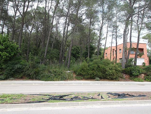Terreny en venda de 1.200m² de superfície a Begues, Barcelona. #2