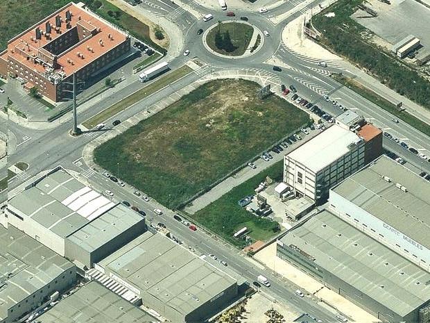 Solar Industrial  en venta/Alquiler - 6.085 m² - Pol. Can Calderon. Cod. 5935 #2